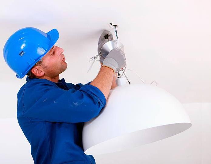 Sabes cada cuanto tiempo debes realizar mantenimiento a tu sistema eléctrico.